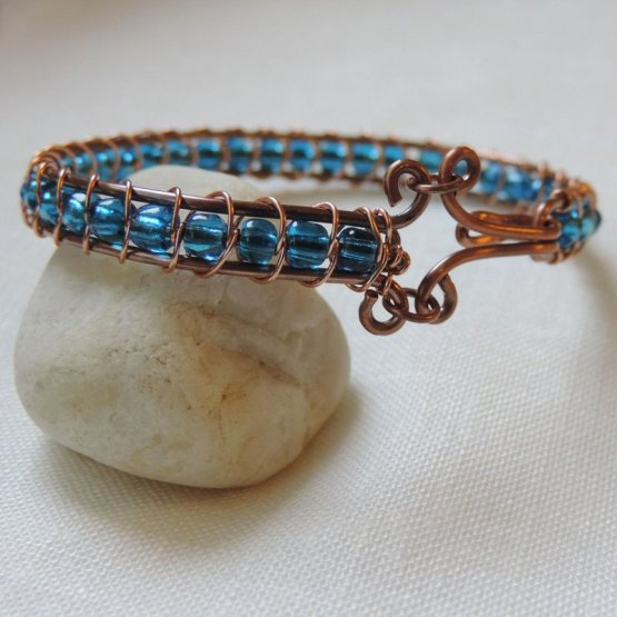 Copper and blue bead bracelet