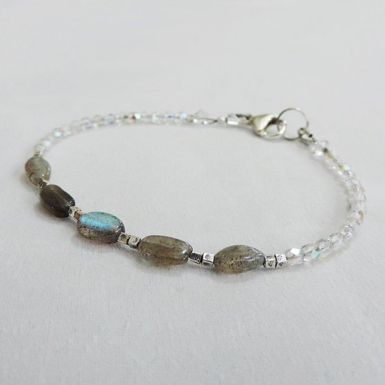Labradorite, silver and czech bead bracelet