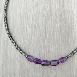 Amethyst and seed bead thin bracelet