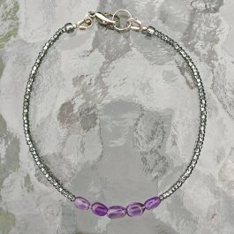 Amet;hyst and silver seed bead thin bracelet