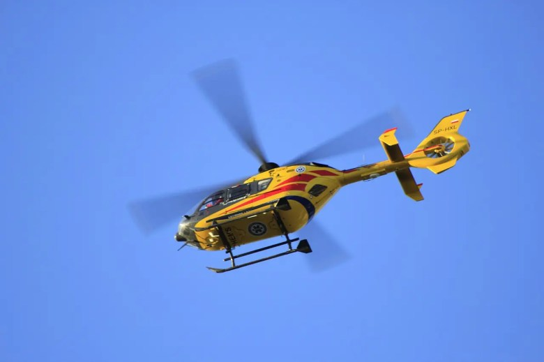 helicopter-186718_1280.jpg