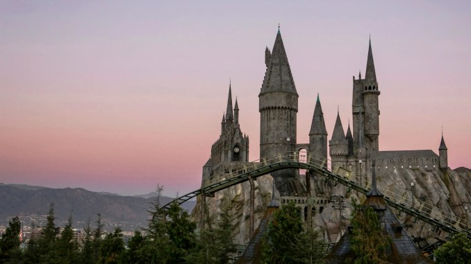 - Flight-of-the-Hippogriff-WWoHP-at-USH