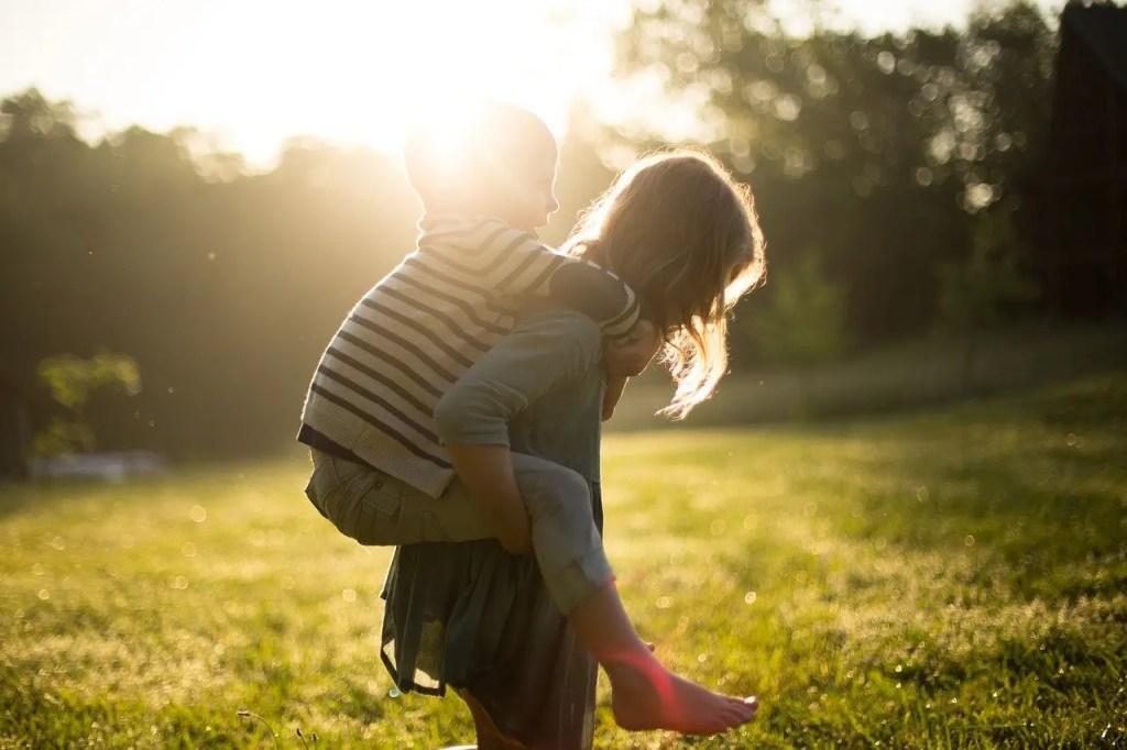 enfants avec deux ans d'écart
