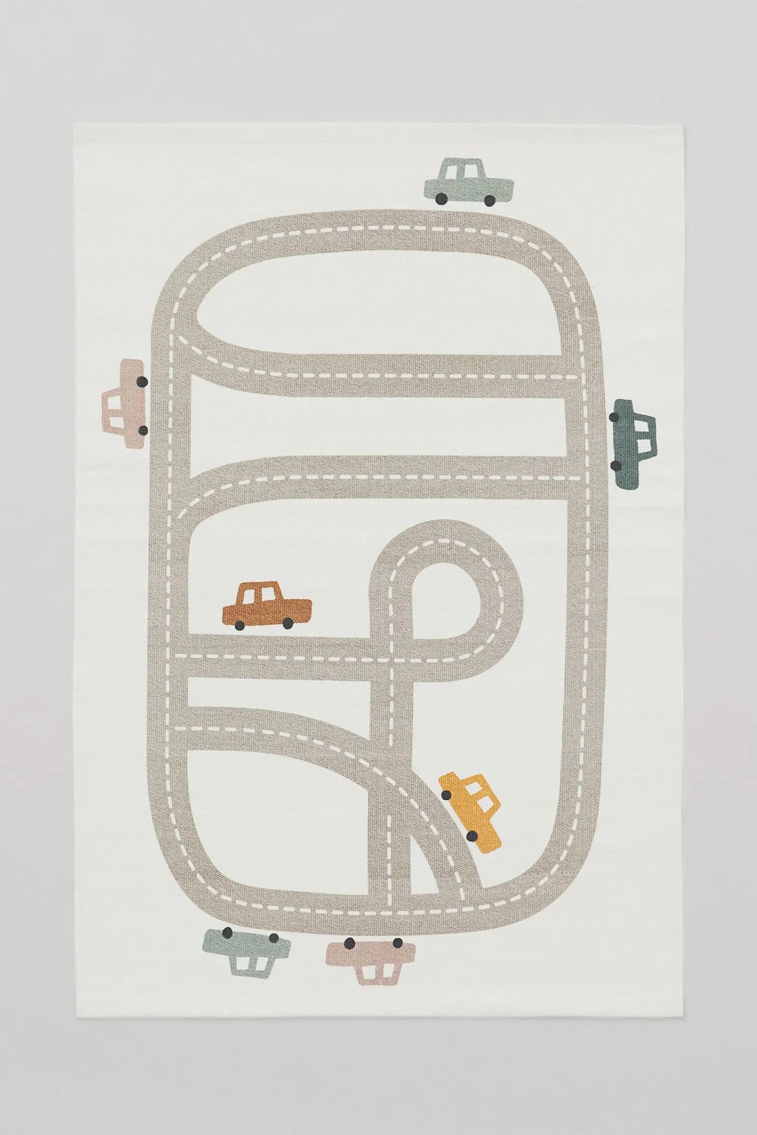 tapis circuit de route parfait pour la décoration d'une chambre d'enfant