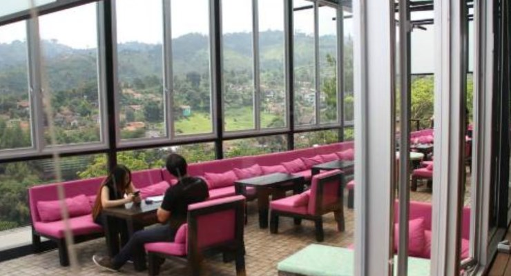 Pemandangan City View Di Lawangwangi Creative Space