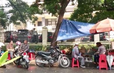 Sate Ayam Khas Gendong Mbok Ayu Belakang Gedung Sate Bandung