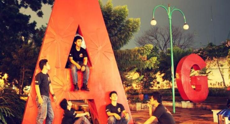 Nongkrong Di Dago Bandung