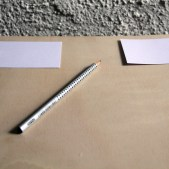 Beides, Ja und Nein, sollten sie dann in der eigenen Handschrift auf je eine Karte schreiben.