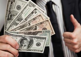 money-in-hand-close-e1416005292625