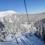 Imagine de pe telescaunul Aușel, cu Vârful Șureanu(spate) din domeniul de ski Șureanu din judetul Alba, sâmbătă 23 ianuarie 2016.