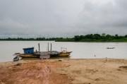 River crossing in Don Det.