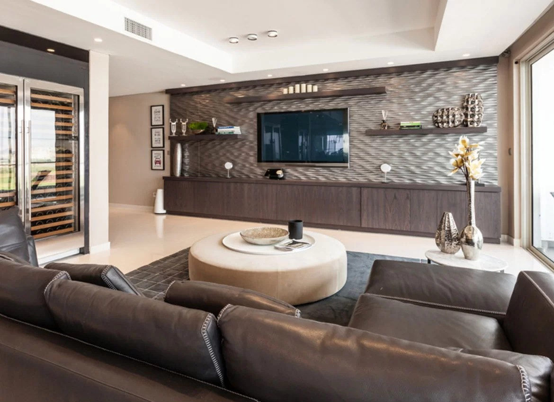 Modern Living Room With Tv On Wall Novocom Top