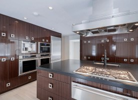 30 Classy Projects With Dark Kitchen Cabinets   Home ...