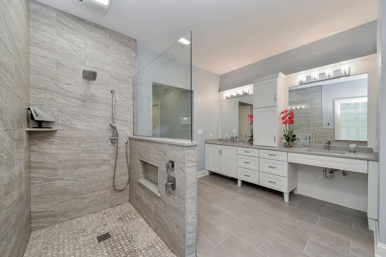 Julie & Jon's Master Bathroom Remodel Pictures