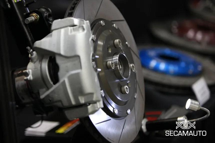 Como escolher os discos de travão para o seu carro