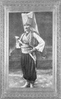 Mustafa Kemal, Sofya Ataşe militeri iken verilen kostümlü baloya gittiği yeniçeri kıyafeti ile (1914)