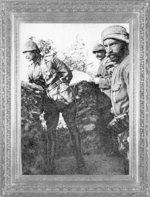 anakkale Savaşlarında askerleri ile beraber siperde olan Mustafa Kemal (1915)