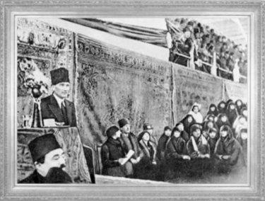 Mustafa Kemal, İzmir'de toplanan İktisat Kongresi'ni açarken (1923)
