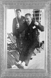 Mustafa Kemal, Ege Vapuru'nda dinleniyor (1930)