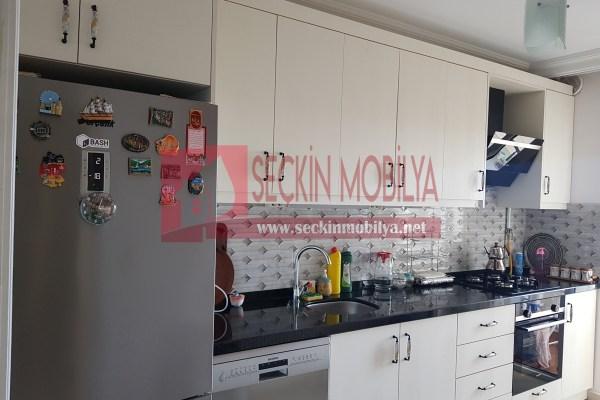 High Gloss Panel Kapaklı Mutfak Dolabı