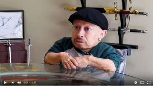"""I Feel Normal, You Guys are Weird"" Verne Troyer (Mini-Me)"