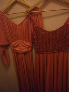 vintage shopping for 1970s dress