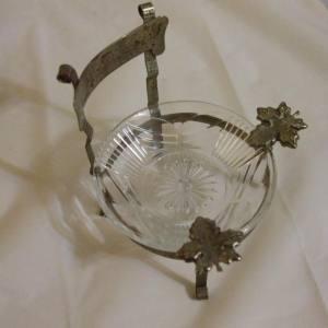 Unique metal arm chair ashtray