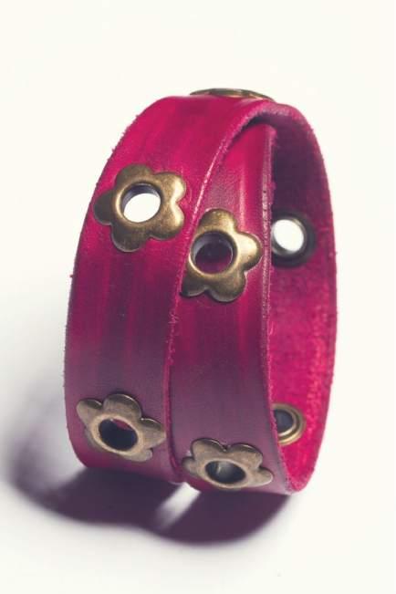 daisy-leather-wrap-bracelet