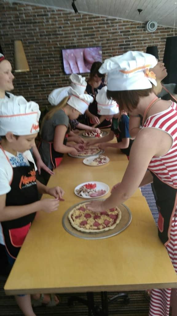 Экскурсия-квест и мастер-класс в пицерии