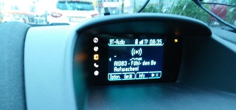Podcast im Auto