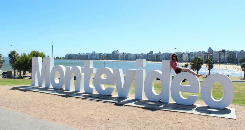 Montevideo sign