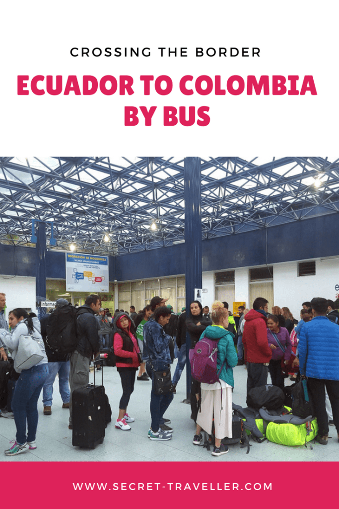 Crossing the border from Ecuador to Colombia by bus
