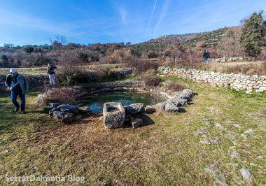 Ancient well at Boljuni
