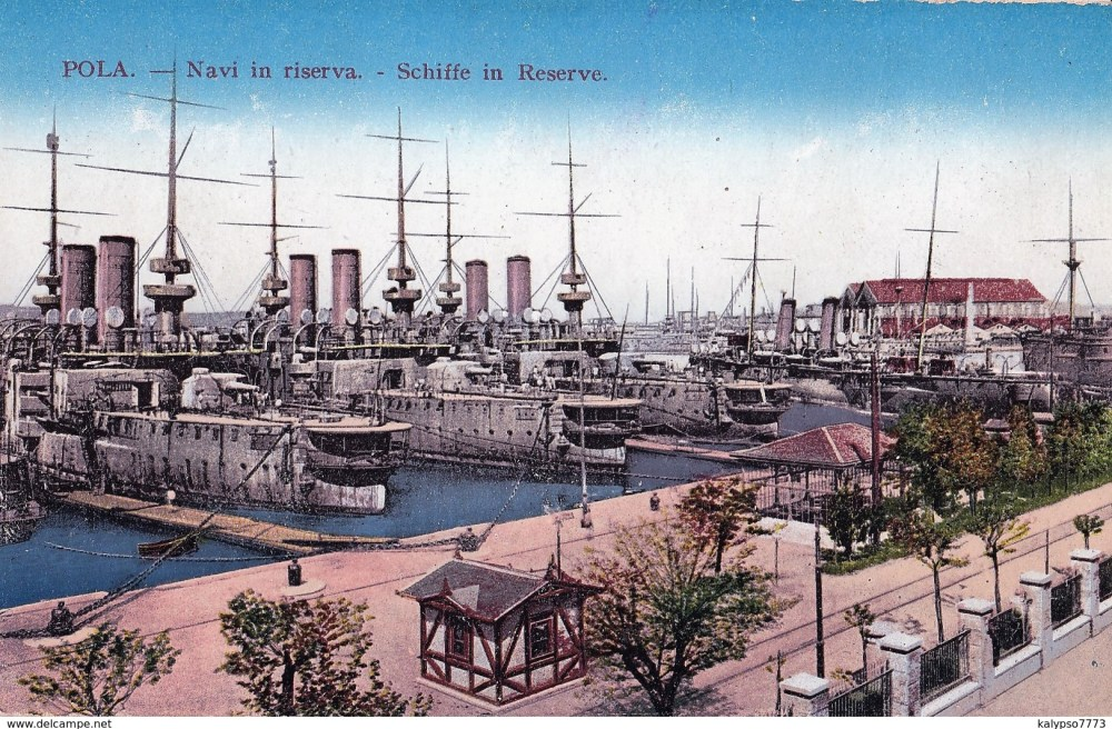 Old postcard of KuK Pula with kriegsmarine fleet