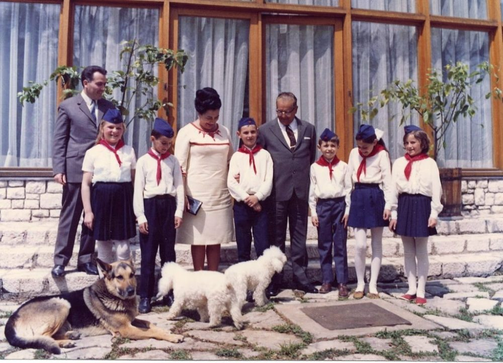 Tito and Jovanka with pioniri