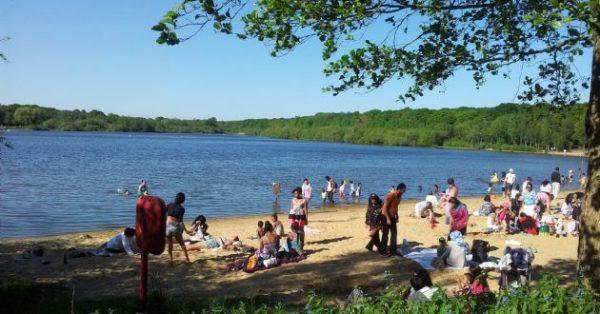 ruislip-lido-lake-london-beach