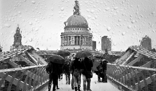 rain-st-pauls-gloomy-blues-london