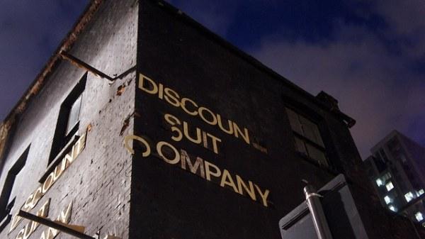 discount-suit-company-london-dive-bar