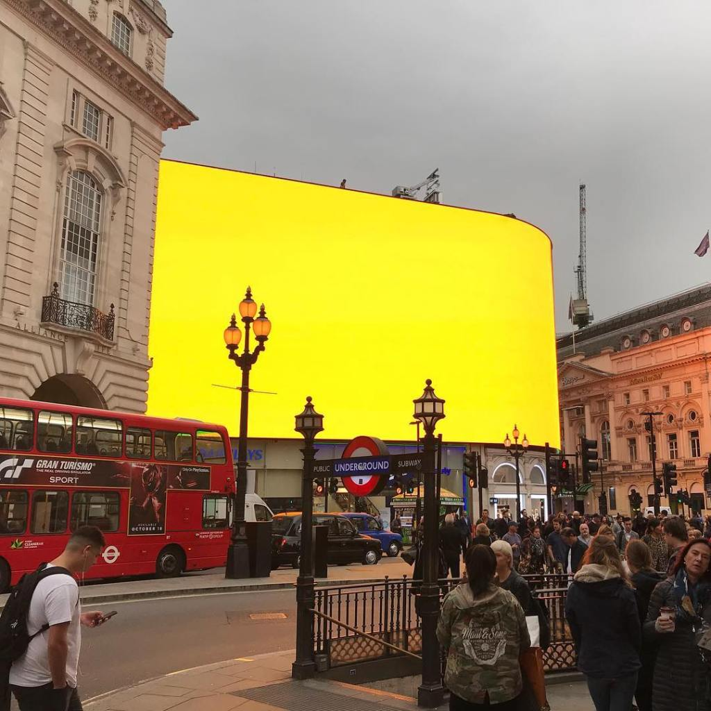 Piccadilly circus lights