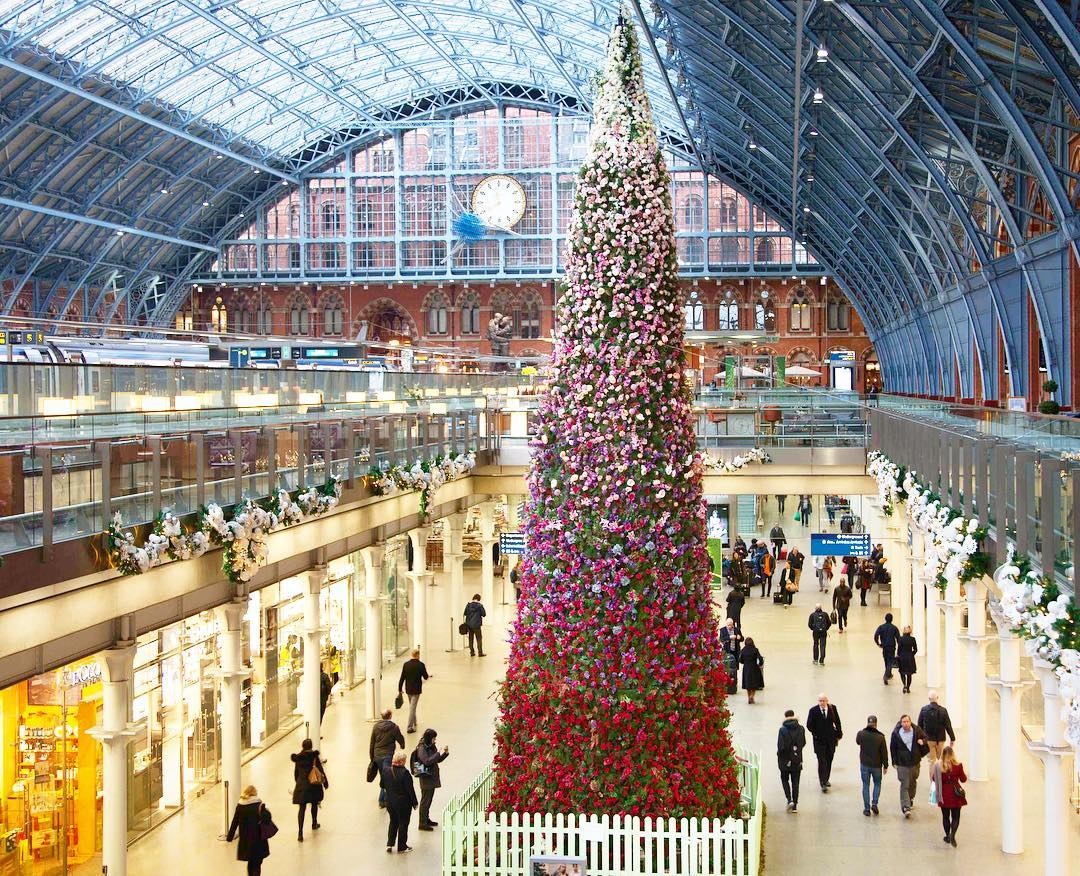 St Pancras Station Christmas Tree
