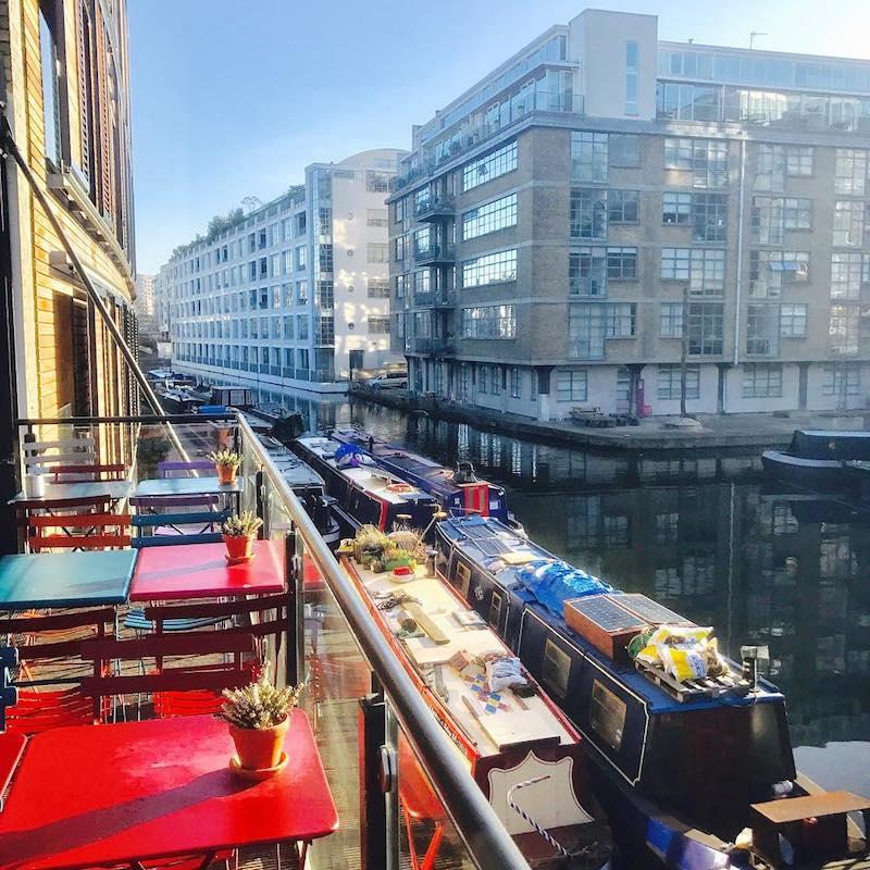 Regents Canal Narrowboat Pub