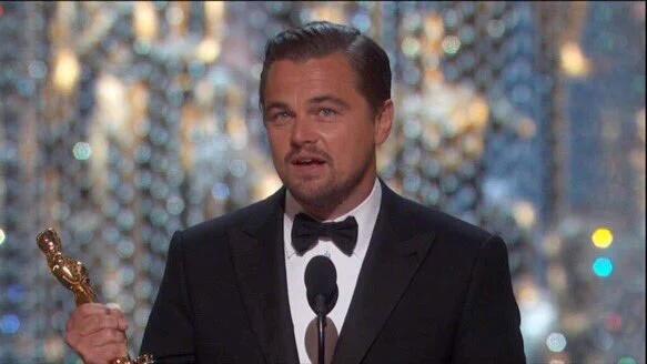 Leonardo Di Caprio vince l'oscar per migliore attore