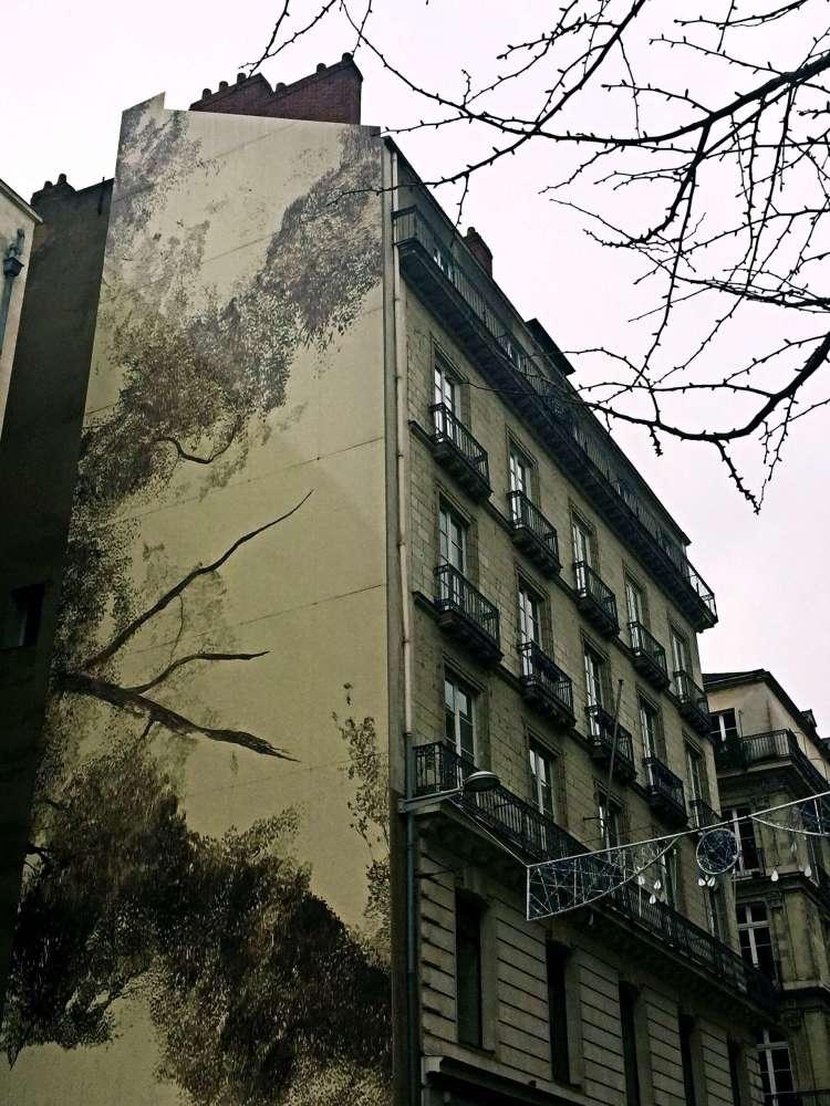 Street art on building facade, Nantes