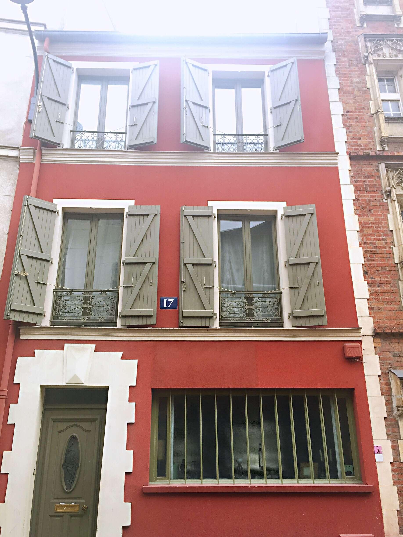Town house Villa de l'Ermitge- self-guided tour of Belleville and Ménilmontant