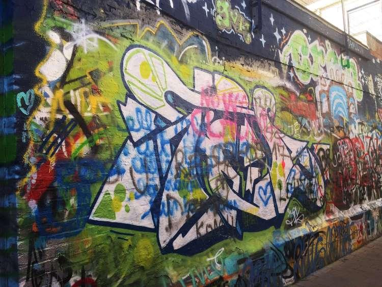 Werregarenstraat street alley - Ghent street art