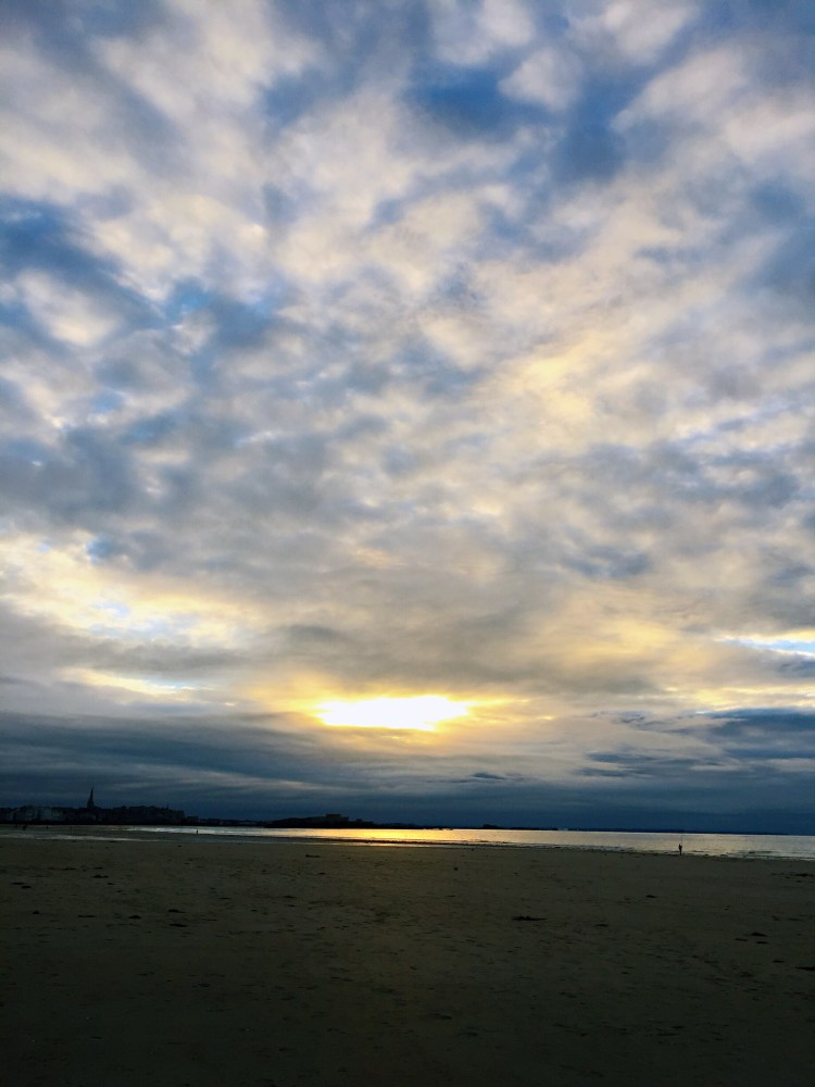 Clouds over Saint-Malo - Guide to the best tourist attractions, places in Brittany