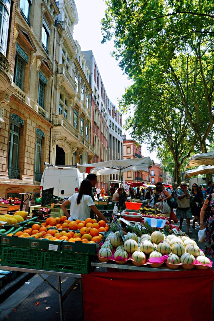 Fruits Market stand in Toulouse - Visit Occitanie