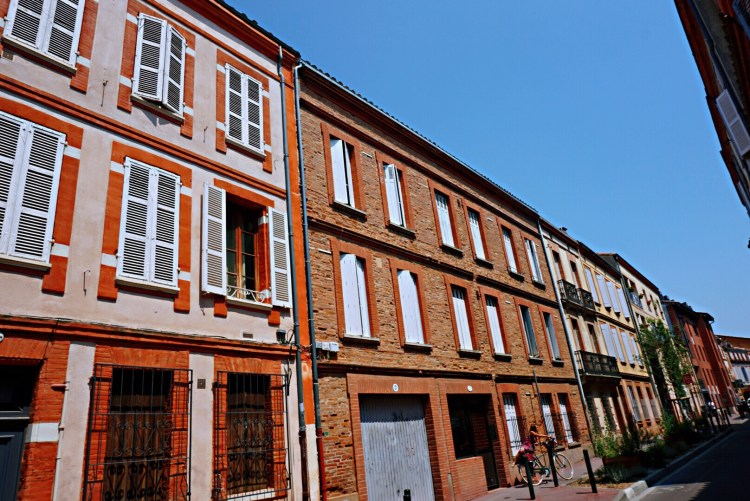 Rows of colourful houses, Toulouse - Visit Occitanie