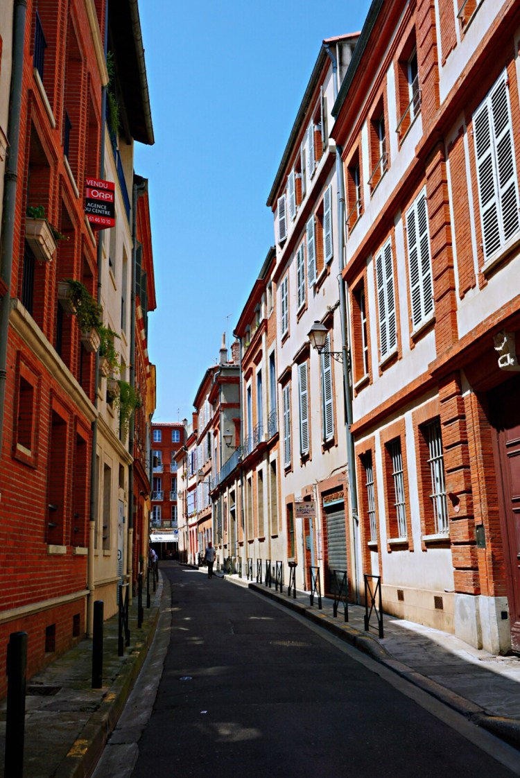 Picturesque street in the Old Town of Toulouse - Visit Occitanie
