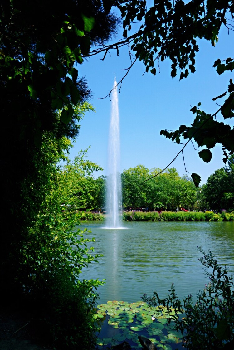 Water fountain in the park - Visit Occitanie
